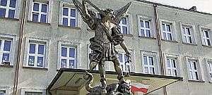 pomnik_300