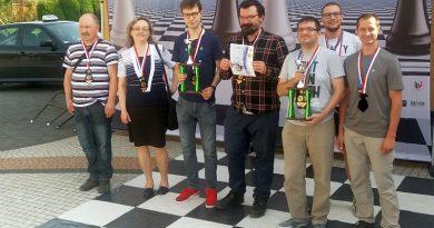 Brązowy medal szachistów LKS PARNAS Stara Wieś w Drużynowych Mistrzostwach Polski